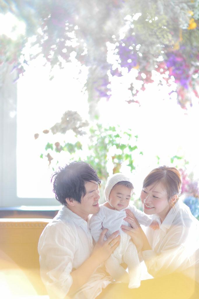 リンクコーデをした家族写真