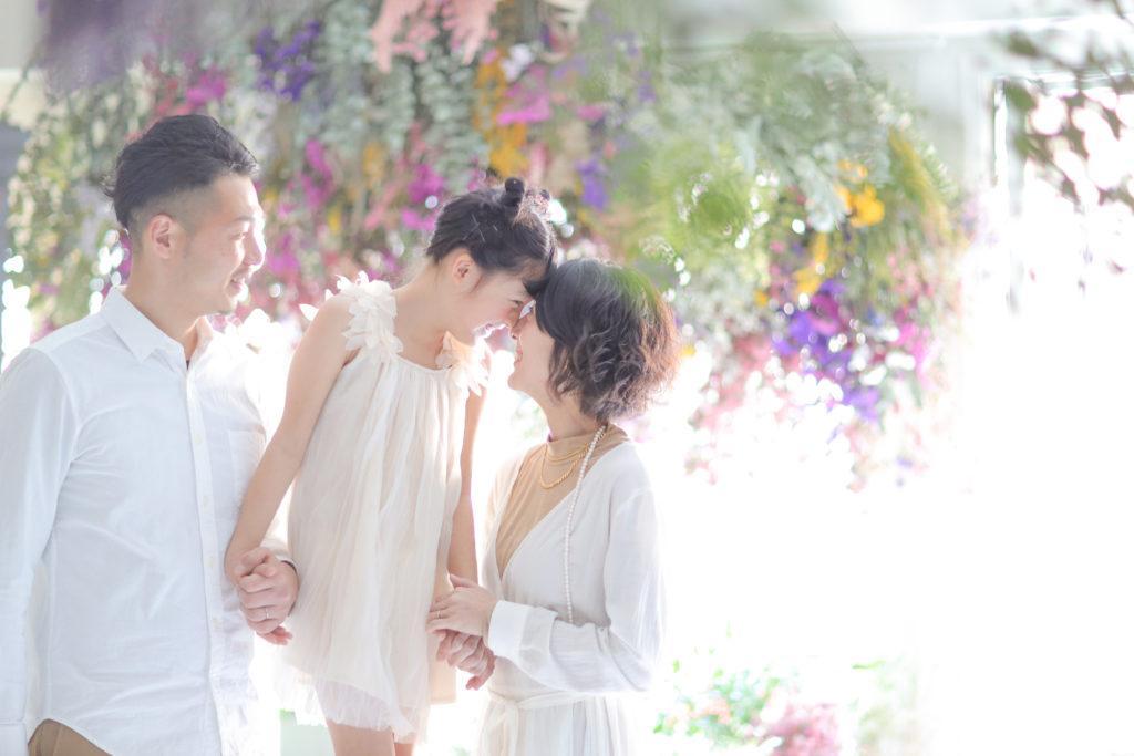 名古屋のおしゃれなフォトスタジオで撮影した家族写真